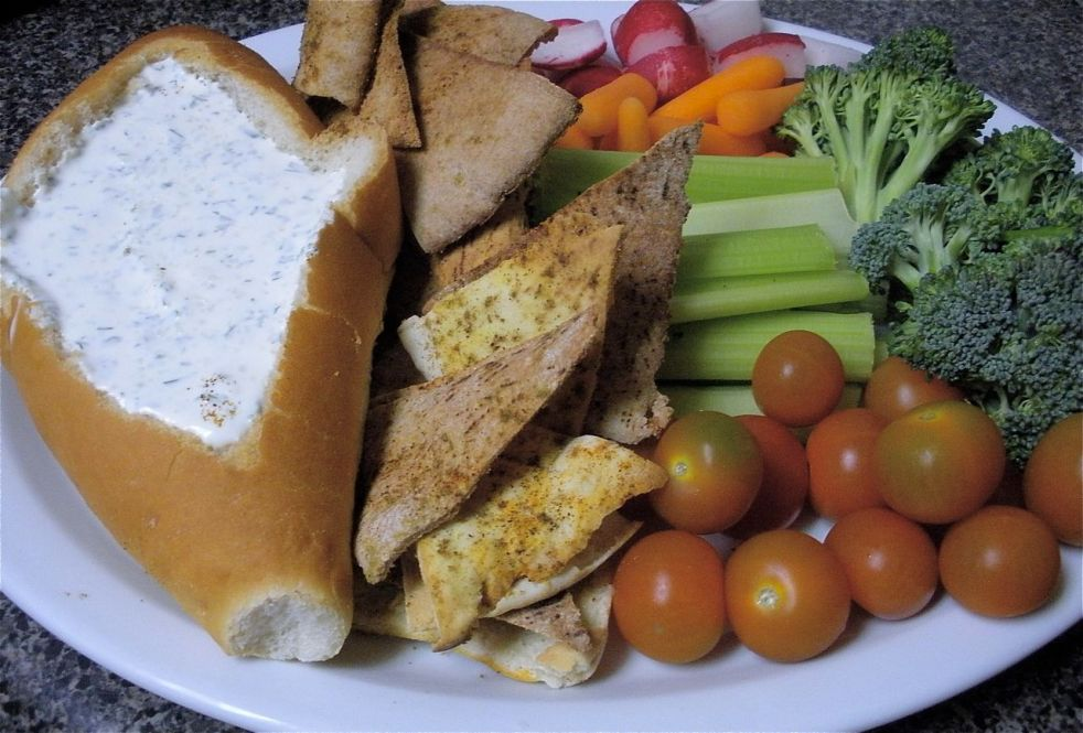 Mixed Veggies and Pita Chips with Dill Dip