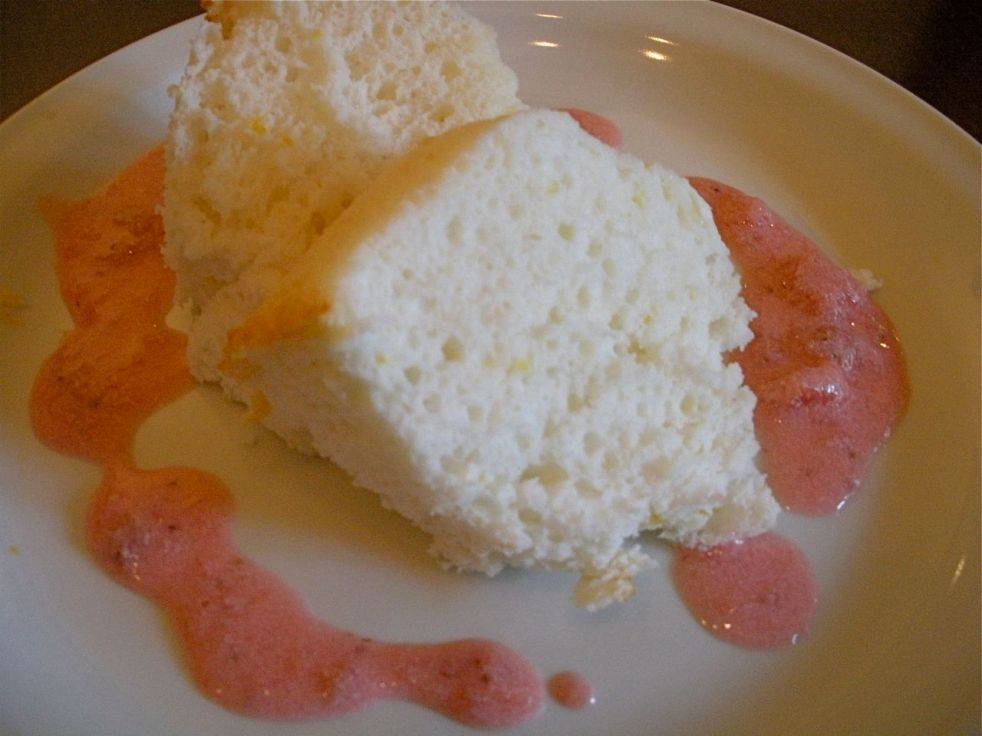 Angel Food Cake with Strawberry Fondue Sauce