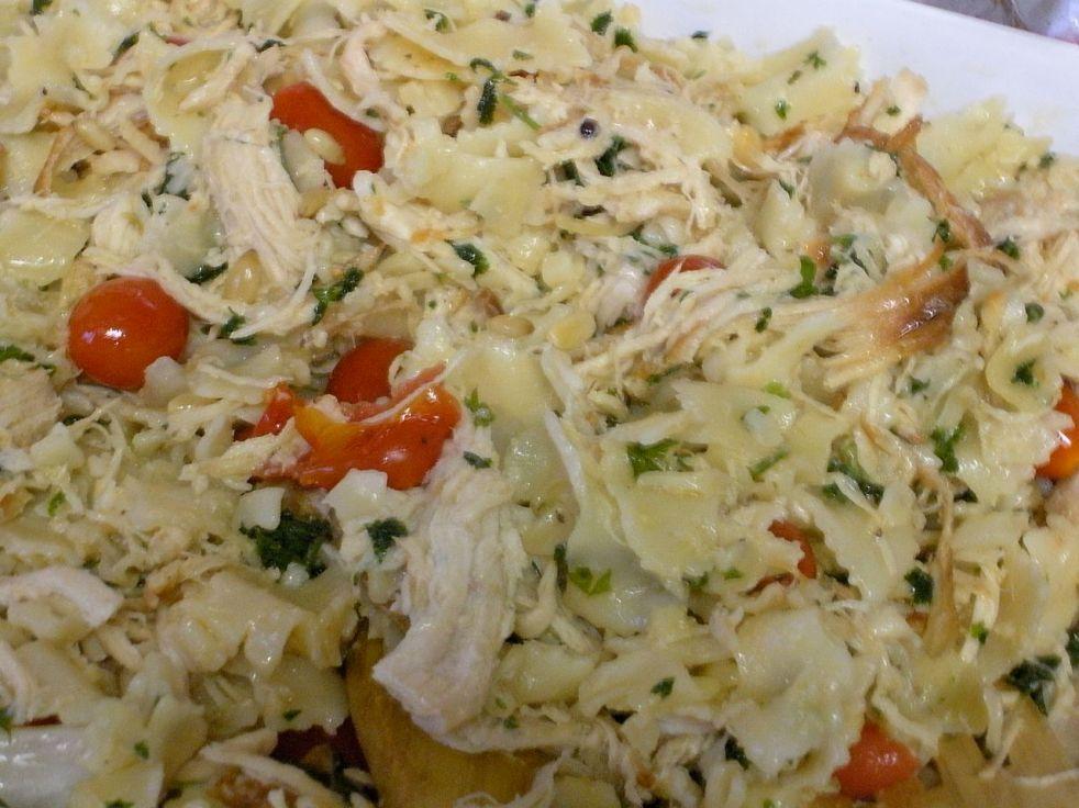 Roast chicken farfalle pasta-Duo Dishes
