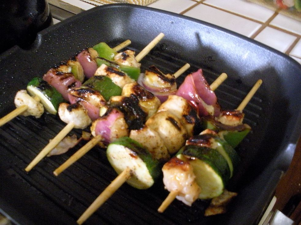 Grilling Chicken and Vegetable Kabobs on the indoor barbie.