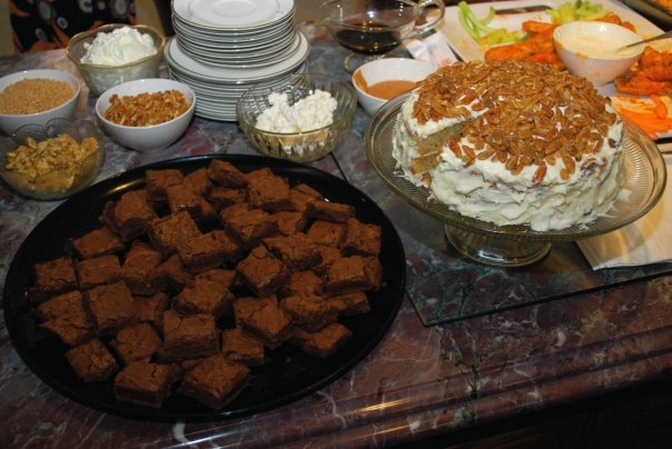 Hipcooks brownies & Hummingbird cake-Duo Dishes