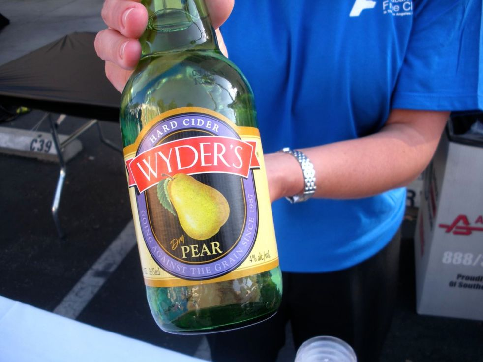 Wyders Pear Cider-Duo Dishes