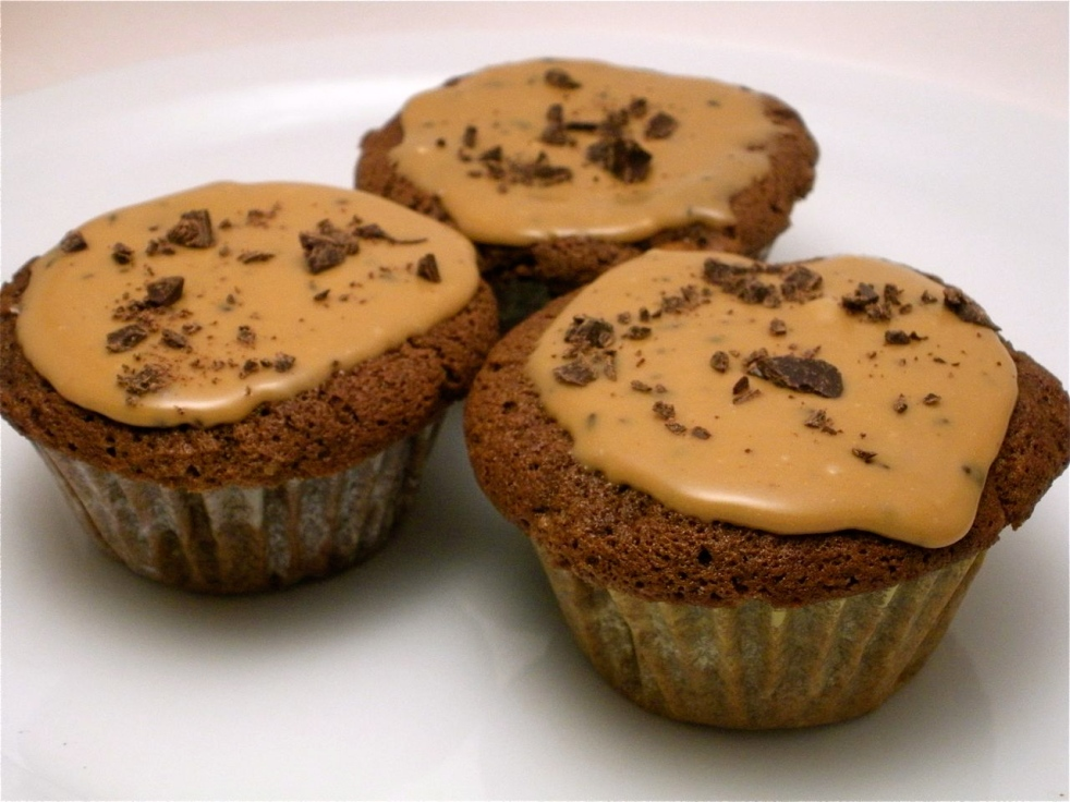 Chocolate Caramel Cupcakes-Duo Dishes