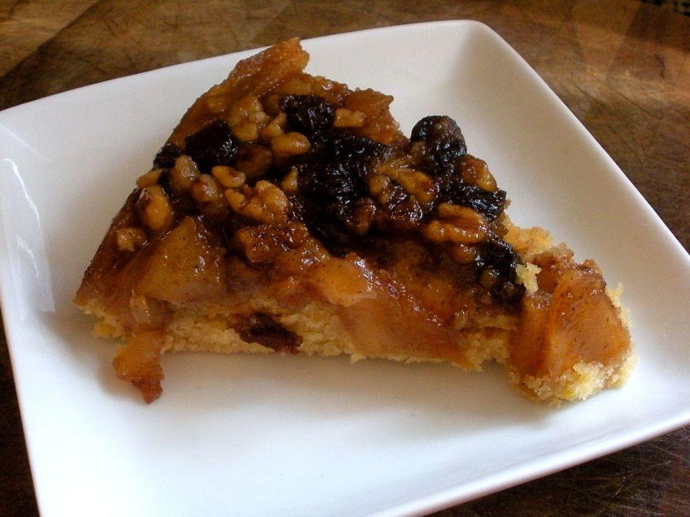 Apple Raisin Walnut Cake-Duo Dishes