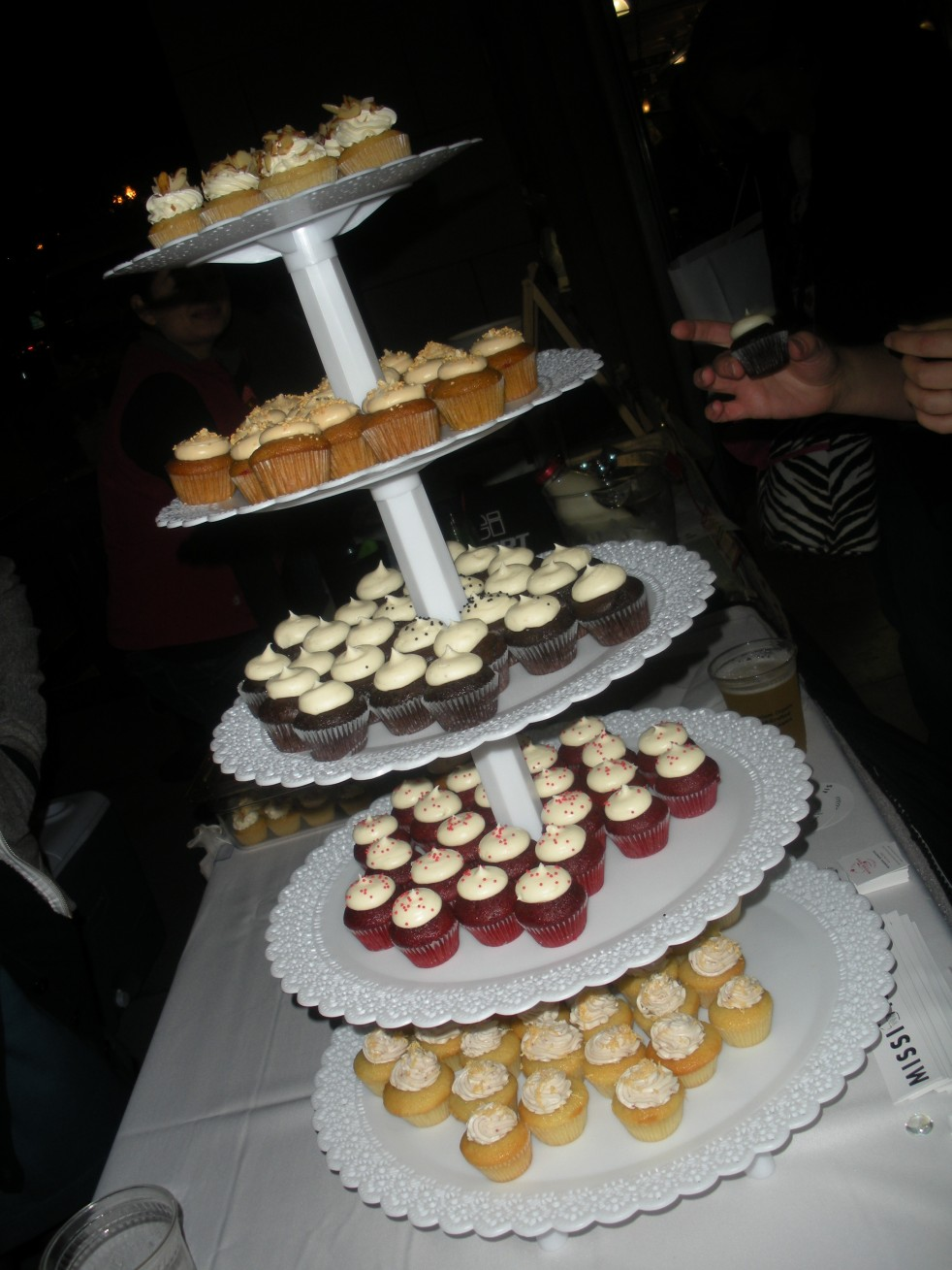 Mission minis cupcakes-Duo Dishes